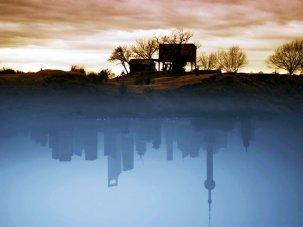 Your world inside out: ¡Vivan las Antípodas! and Kossakovsky's Ten Rules - image