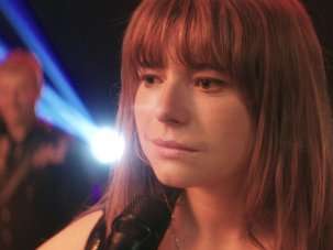 Wild Rose review: Jessie Buckley's Glasgow dreamer keeps on keeping on - image