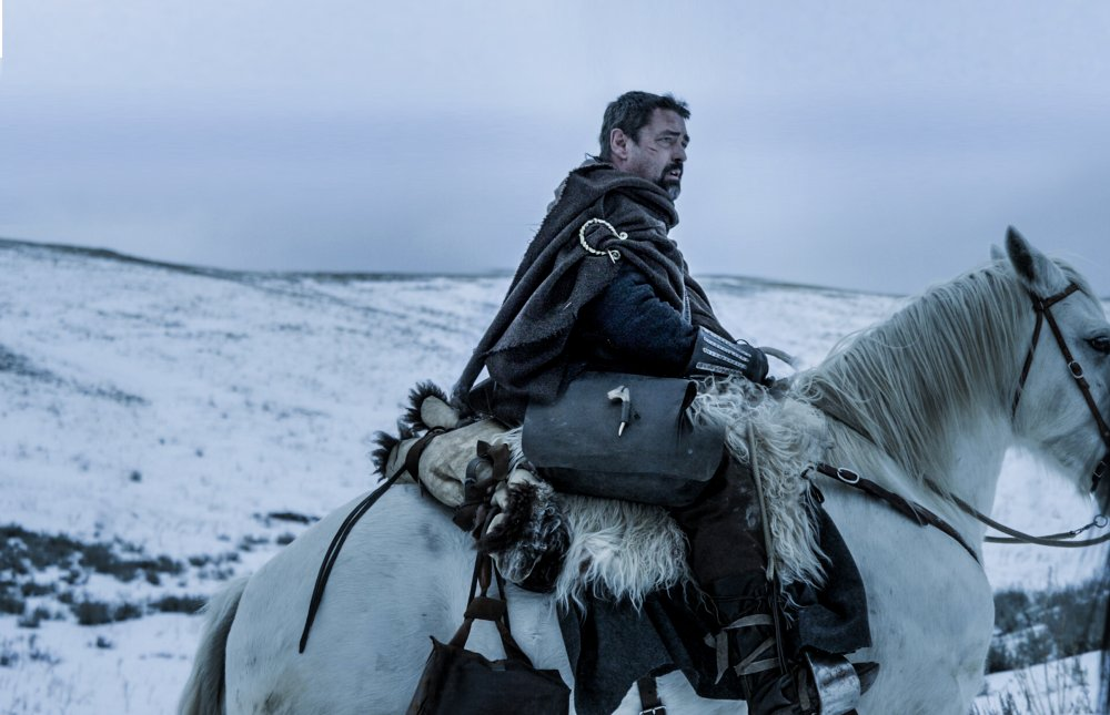 Angus Macfadyen as Robert the Bruce in a not-so-Scottish production