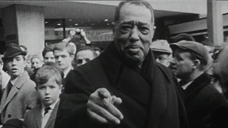 Duke Ellington is met by crowds in Coventry's Broadgate Square