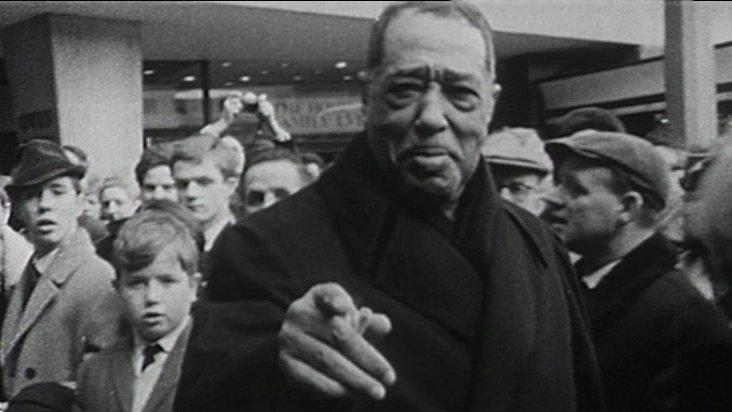Duke Ellington is met by crowds in Coventry's Broadgate Square