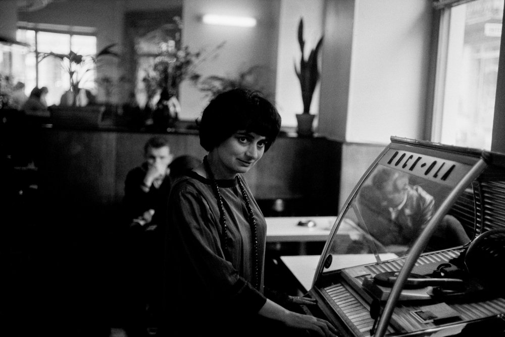 Agnes Varda plays the tunes at the 1962 edition of the festival. Her film Cléo from 5 To 7 played in competition that year.