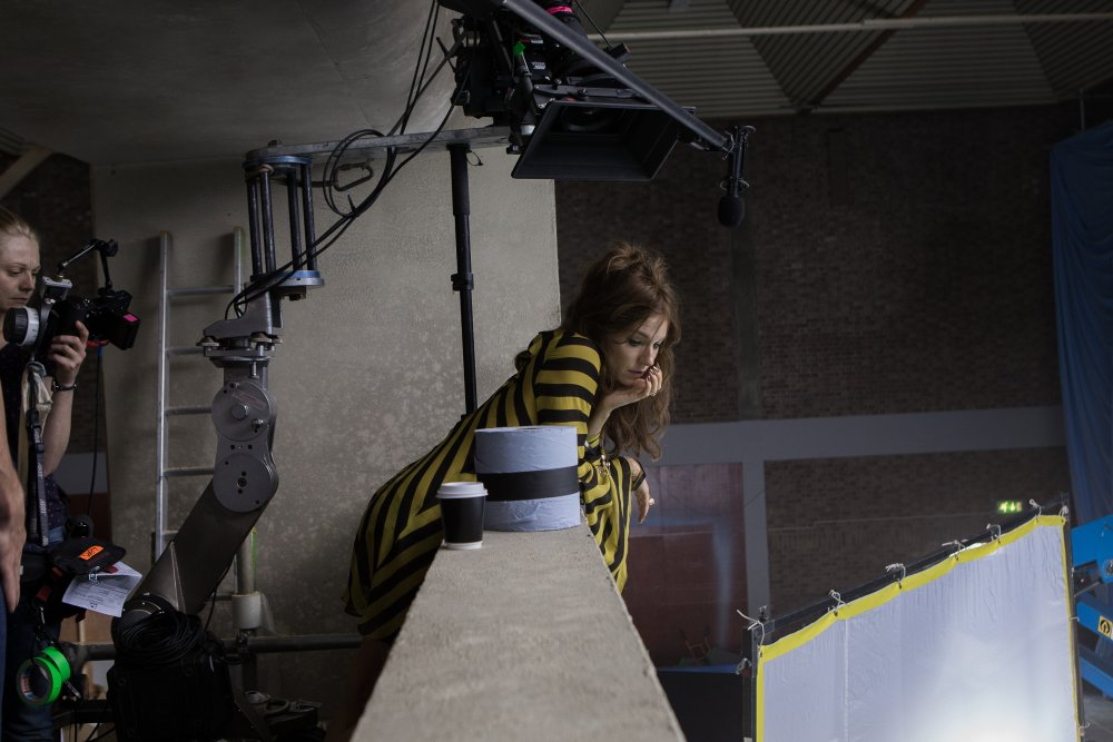 Sienna Miller playing Laing's neighbour and lover, Charlotte Melville