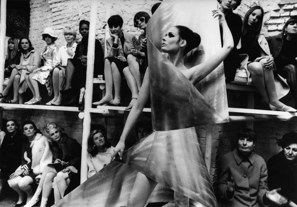 Who Are You, Polly Maggoo? (1966)