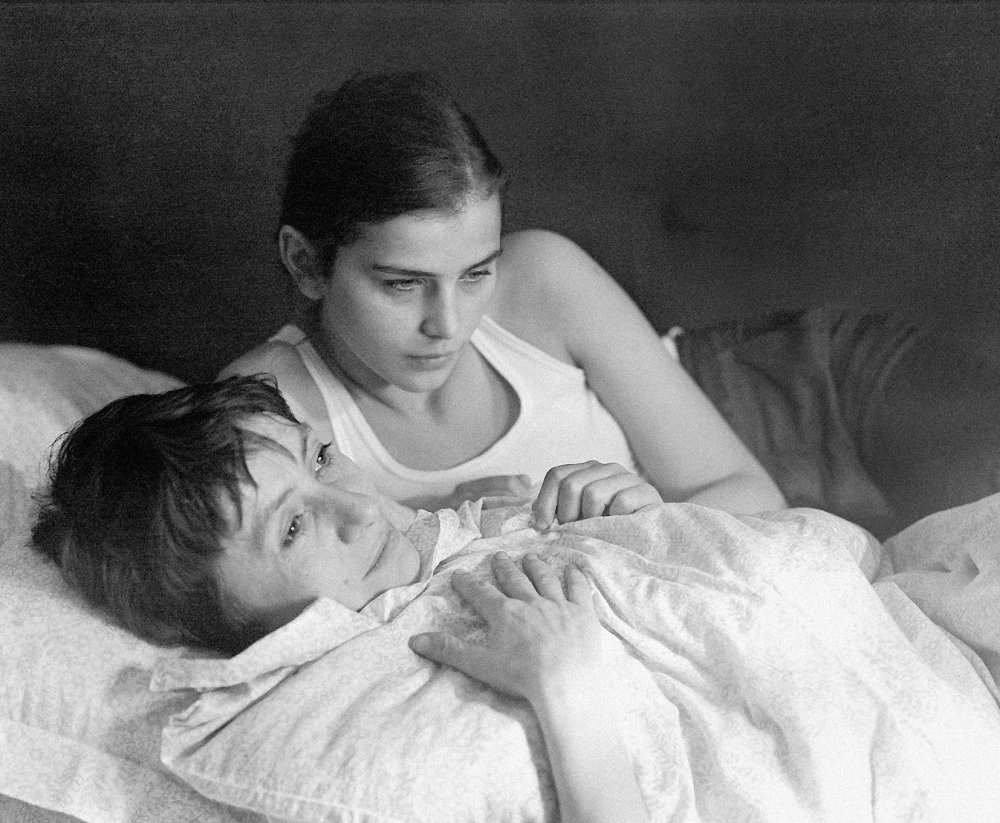Katalin Berek as Kata and Gyöngyvér Vigh as Anna in with Márta Mészáros's 1975 Berlinale Golden Bear winner Adoption (Örökbefogadas)