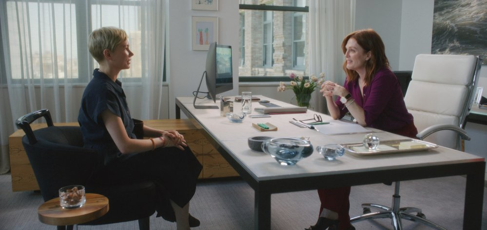 Michelle Williams as Isabel and Julianne Moore as Theresa in After the Wedding