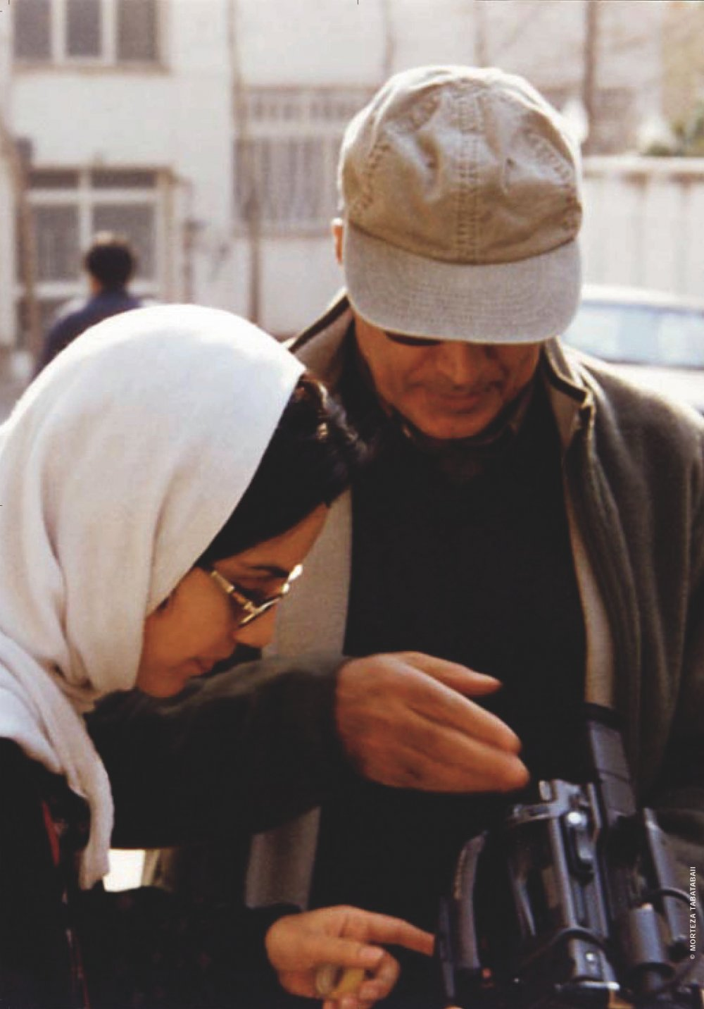 Mania Akbari and Abbas Kiarostami filming 10 (2002)