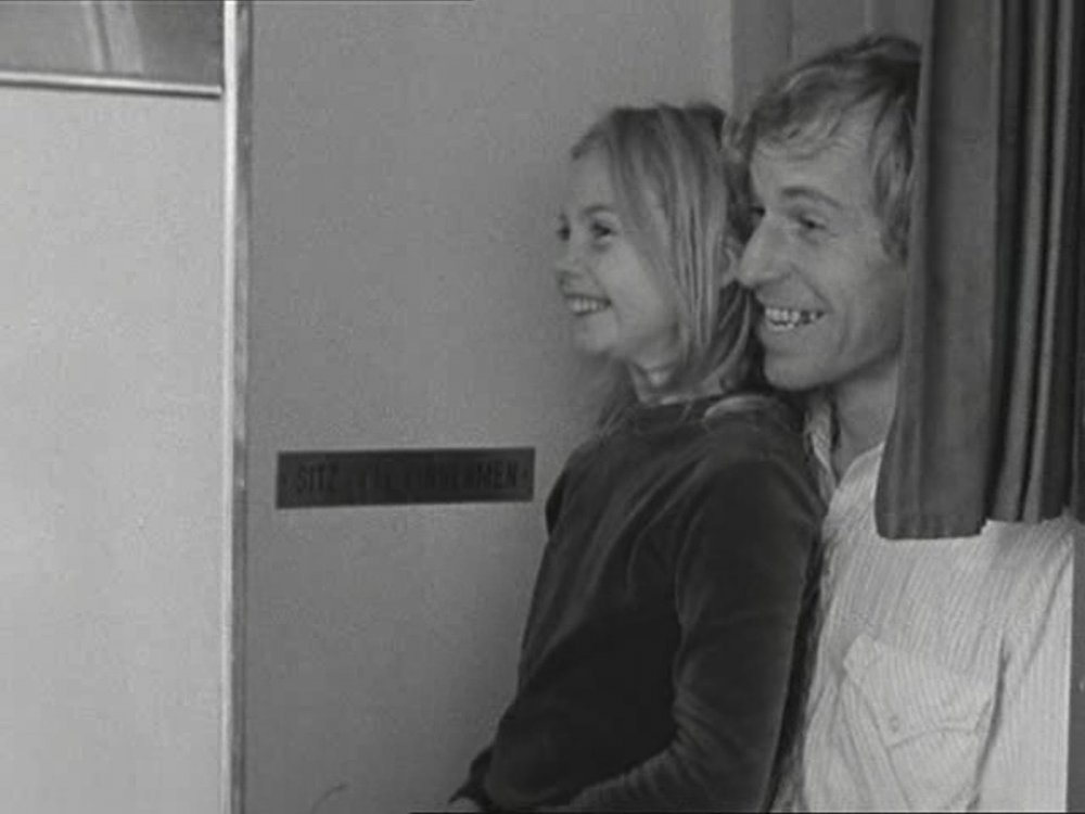 Yella Rottländer and Rüdiger Vogler in Alice in the Cities (1974)