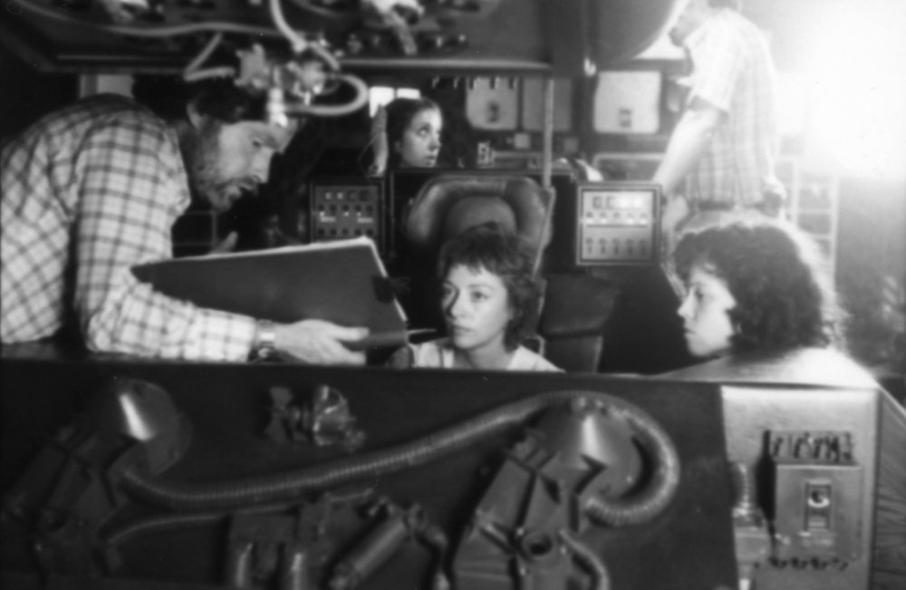 Ridley Scott with Veronica Cartwright and Sigourney Weaver on the set of Alien (1979)