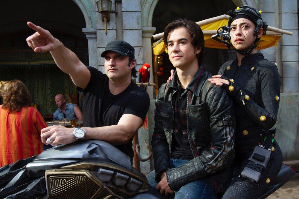 Robert Rodriguez directing Alita: Battle Angel (2019)