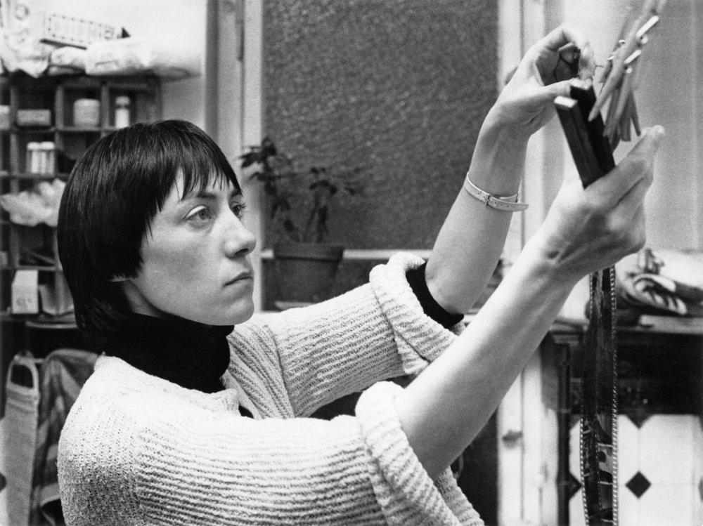 Helke Sander in her The All-Around Reduced Personality (Die allseitig reduzierte Persönlichkeit, 1978)