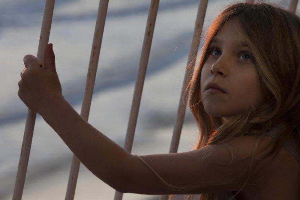 Ayline Aksoy-Etaix as Elli in Angel Face