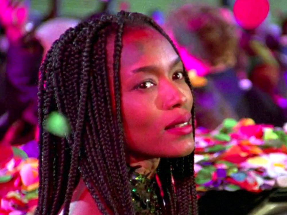 Angela Bassett in Strange Days (1995)