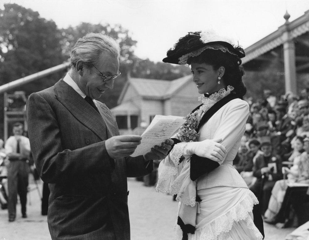 Alexander Korda and Vivien Leigh on the set of Anna Karenina (1948)