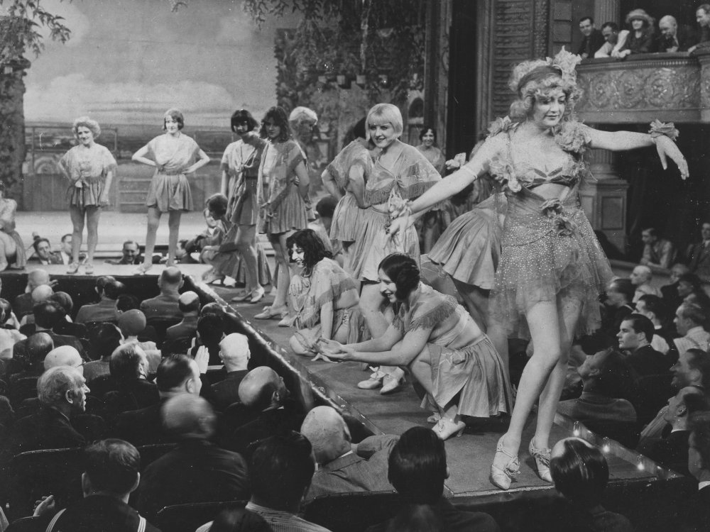 Applause (1929), an inventive early example of the backstage musical
