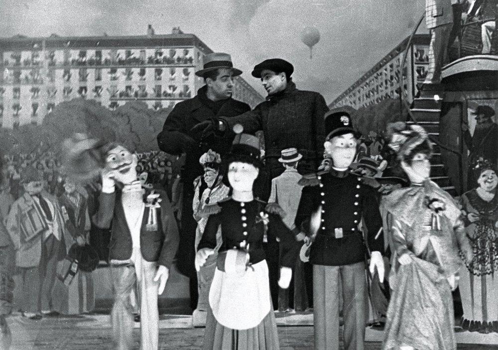 Boris Kaufman and Jean Vigo (in background)