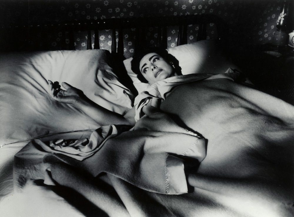 Joan Crawford in Robert Aldrich's 1956 Autumn Leaves