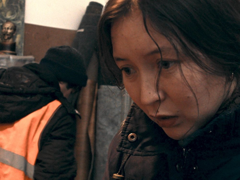 Samal Yesyamova as the eponymous Ayka