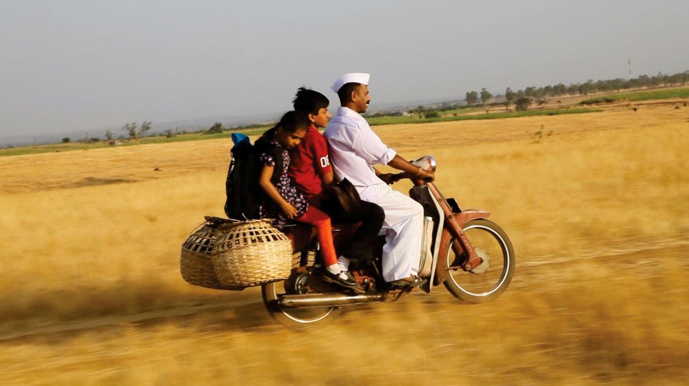Barefoot to Goa (2014)