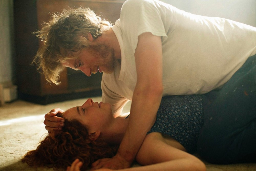 Jessie Buckley as Moll Huntford and Johnny Flynn as Pascal Renouf in Beast