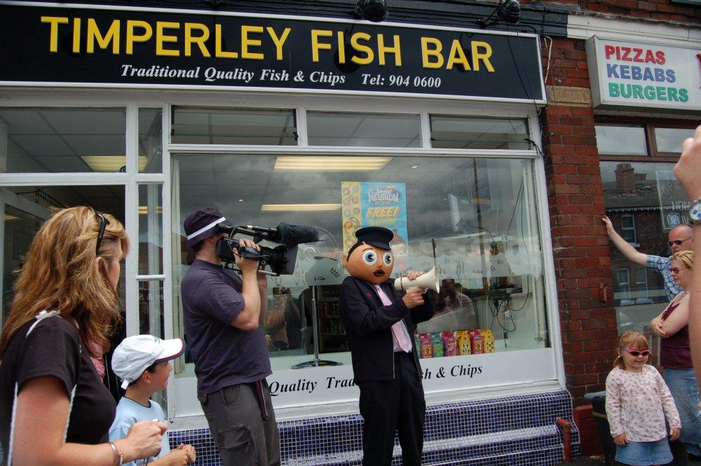 Steve Sullivan filming Frank Sidebottom on the Magical Timperley Tour