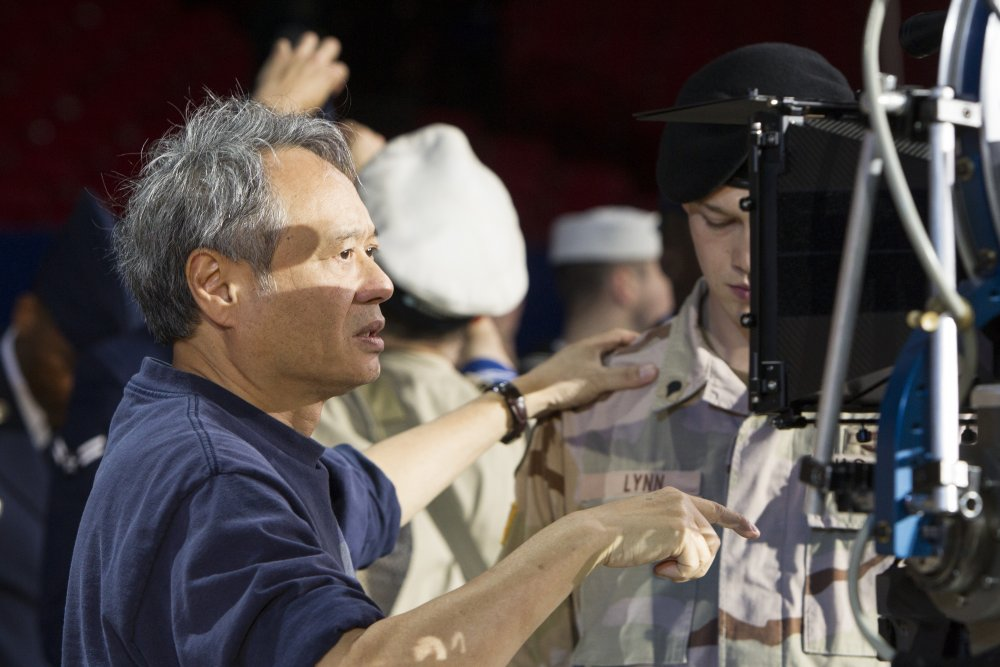 Ang Lee filming Billy Lynn's Long Halftime Walk (2017)