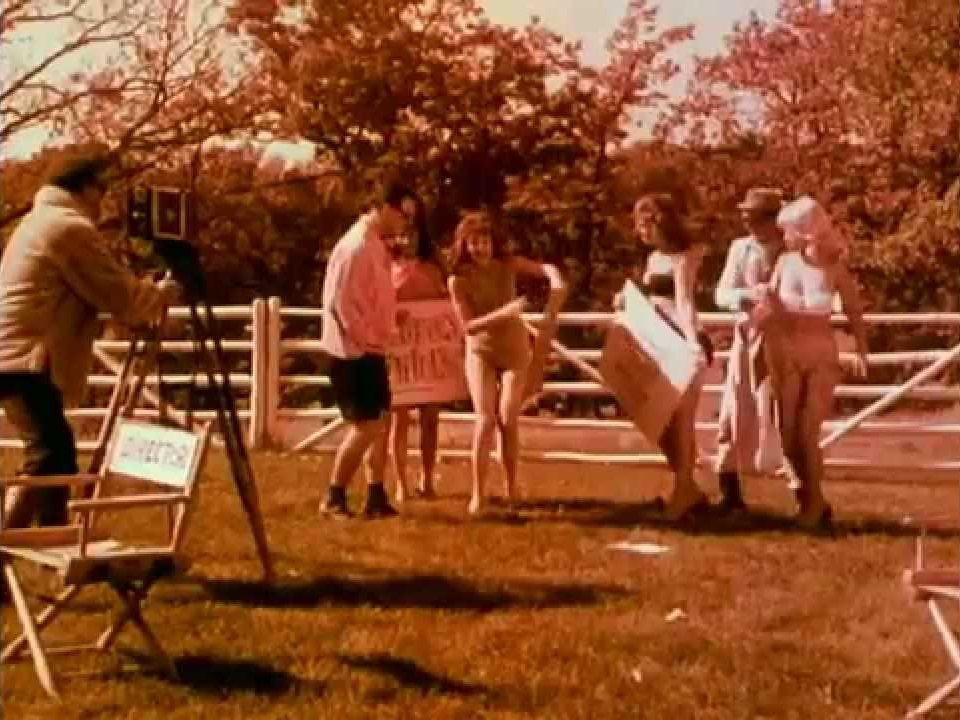 On location with the cast and crew of Boin-n-g (1963)