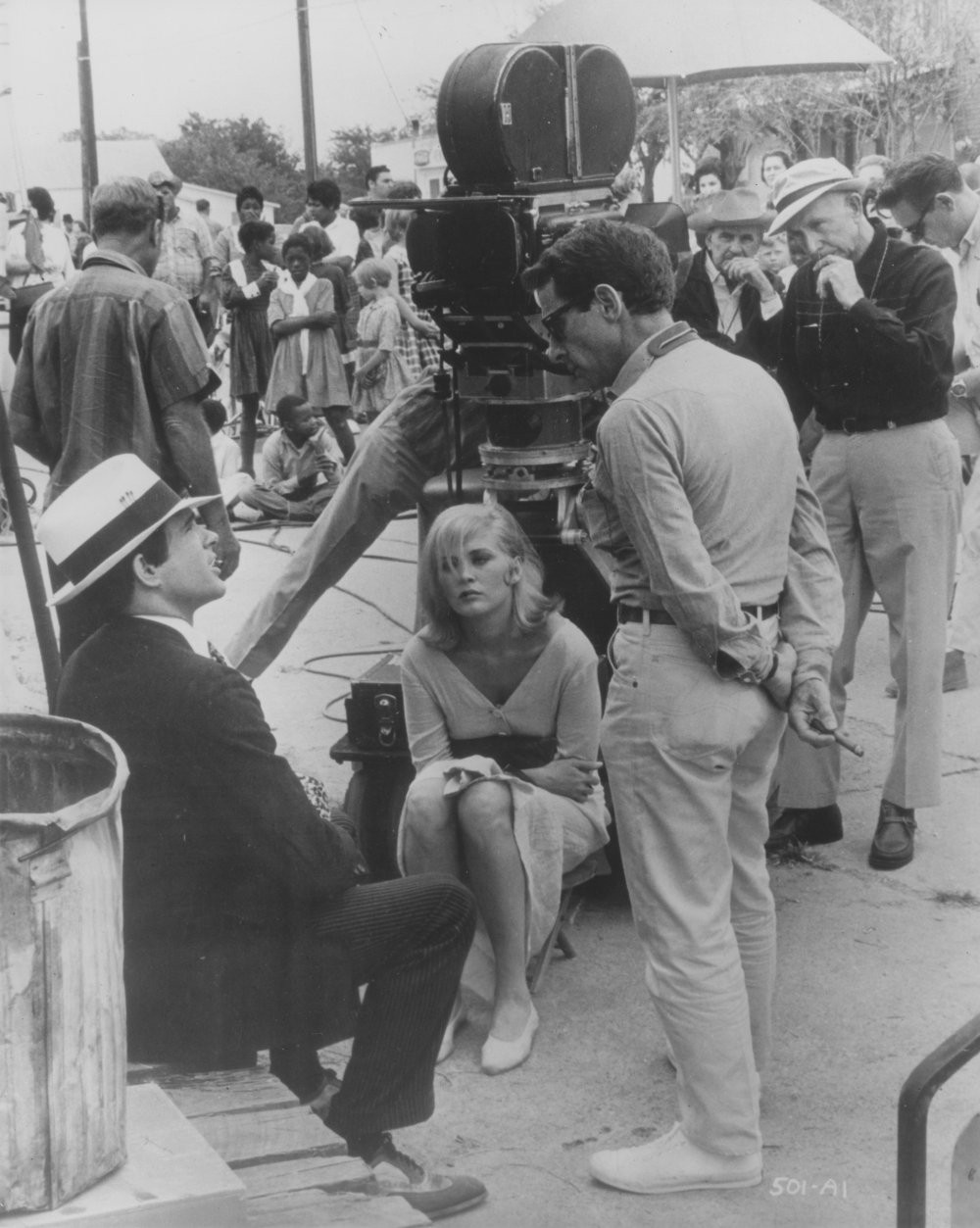 Directing Warren Beatty and Faye Dunaway in Bonnie and Clyde (1967)