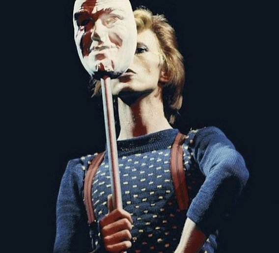 David Bowie performing Cracked Actor
