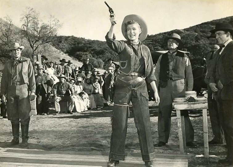 Dressed as she pleases: Nancy Olson in The Boy from Oklahoma (1953)