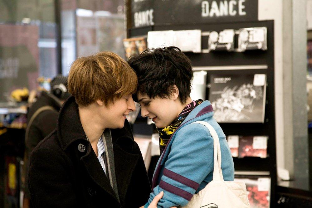 Lesbias dating Strapon