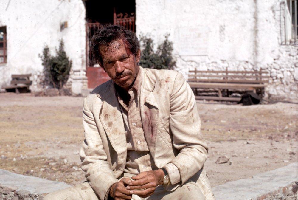 Warren Oates as Bennie