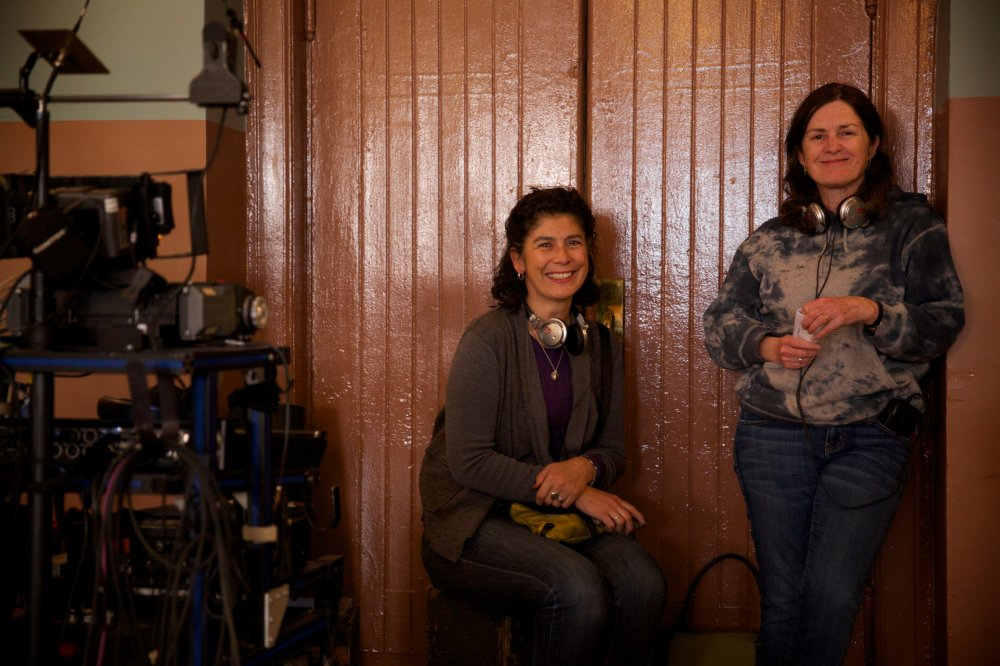 Amanda Posey and Finola Dywer on the set of Brooklyn