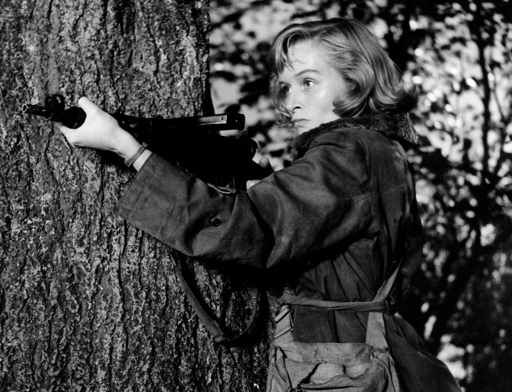 Virginia McKenna as Violette Szabo in Carve Her Name with Pride (1957)