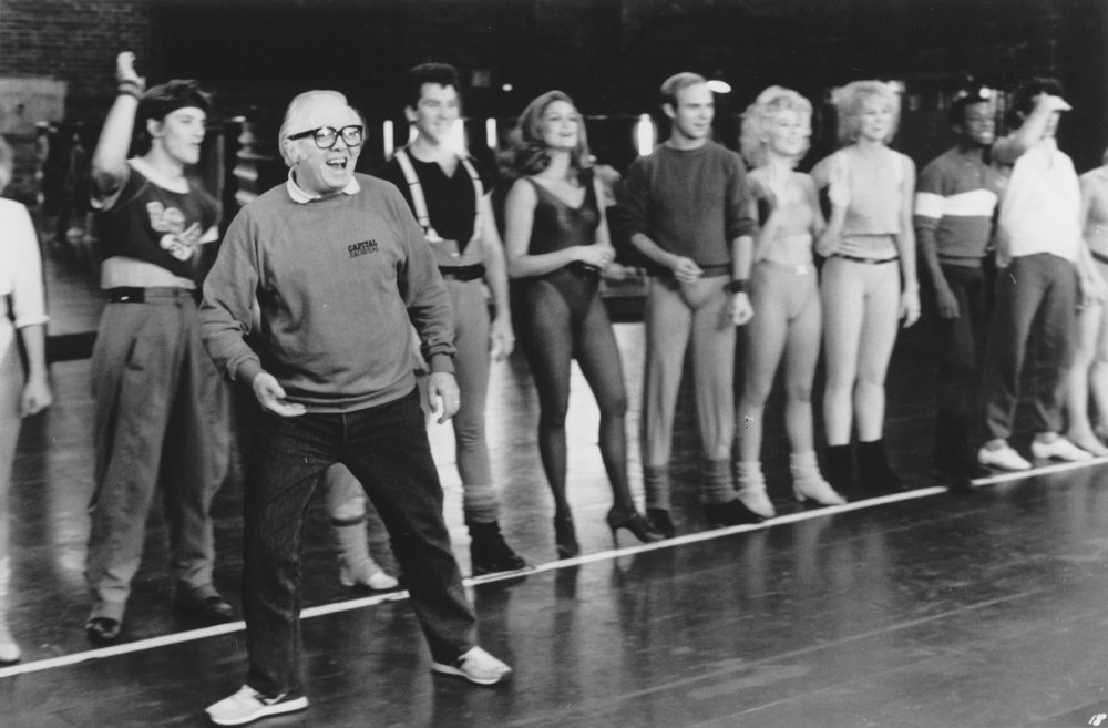 Richard Attenborough directs the dancers in A Chorus Line (1985)