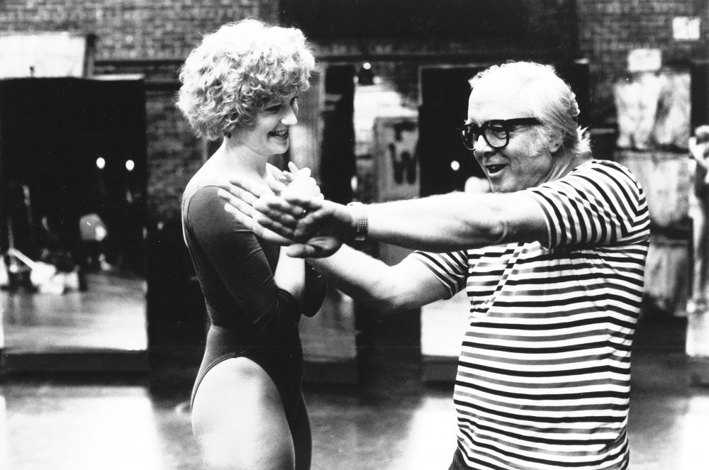 Richard Attenborough directing Alyson Reed in A Chorus Line (1985)