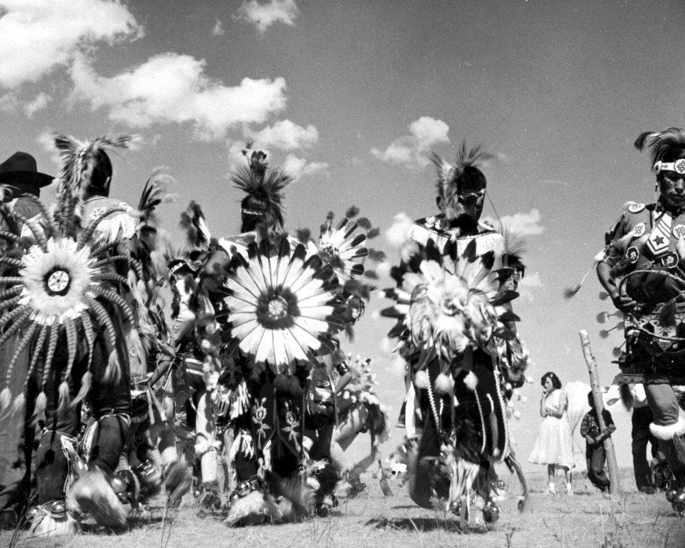 Circle of the Sun (1961)