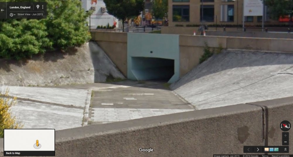 Wandsworth underpass: Google Maps, June 2015