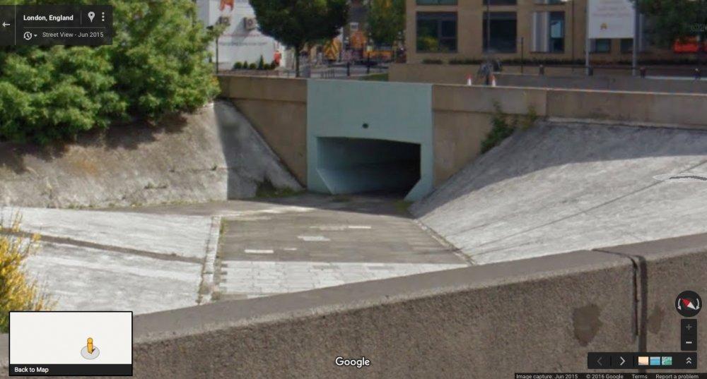 Wandsworth underpass: Google Maps, June 2015