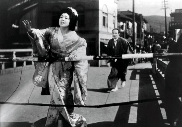 Kyo as Kimicho in Clothes of Deception (Itsuwareru seiso, 1951)