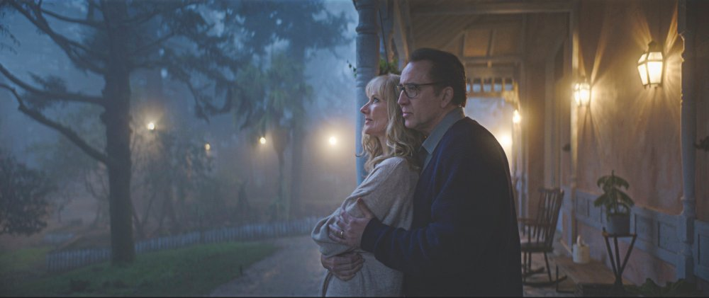 Joely Richardson as Theresa and Nicolas Cage as Nathan Gardner in Color Out of Space