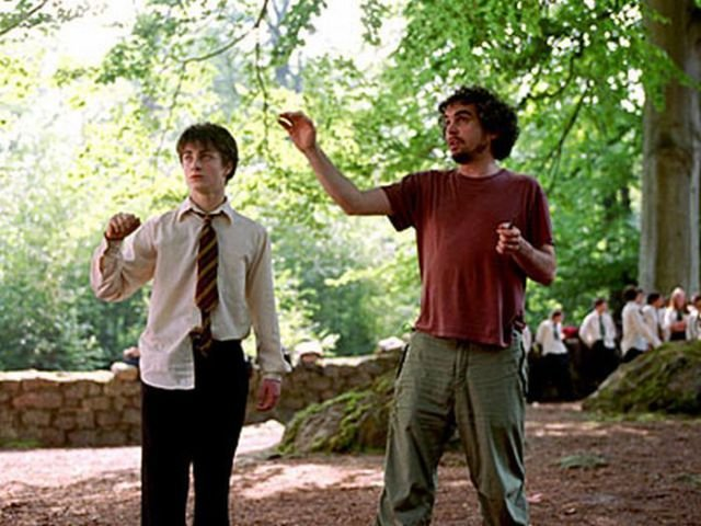 Alfonso Cuarón directing Daniel Radcliffe on the set of Harry Potter and the Prisoner of Azkaban (2004)