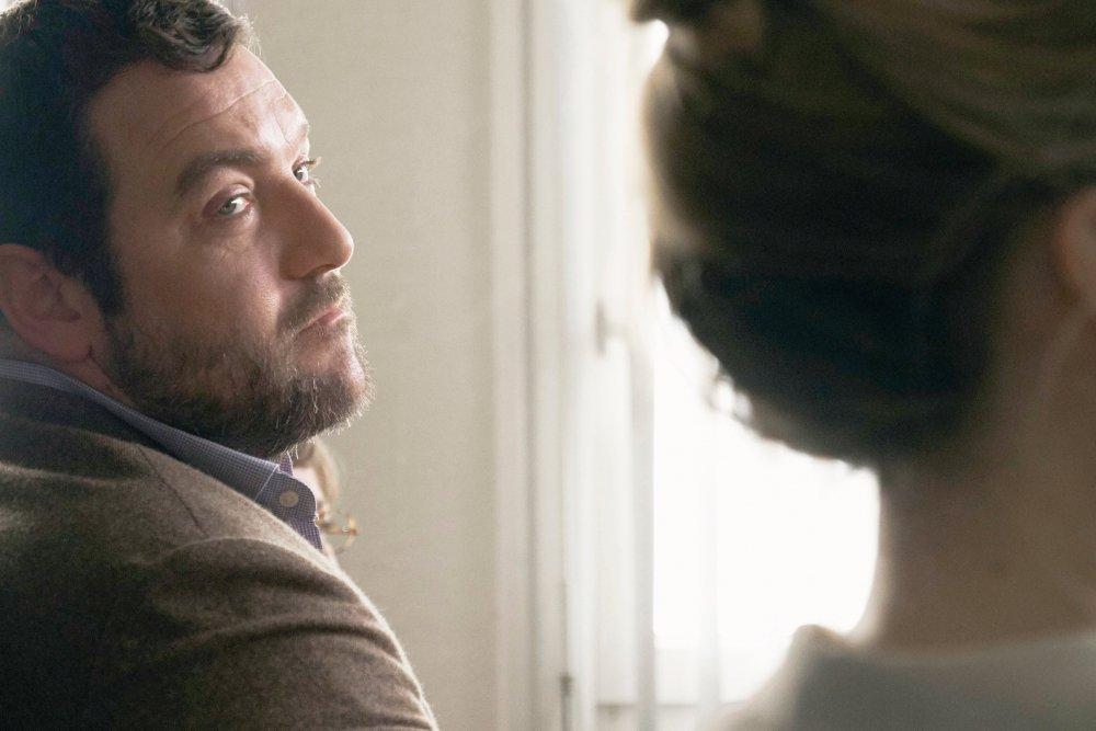 Denis Ménochet as Antoine Besson with Léa Drucker as his estranged wife Miriam