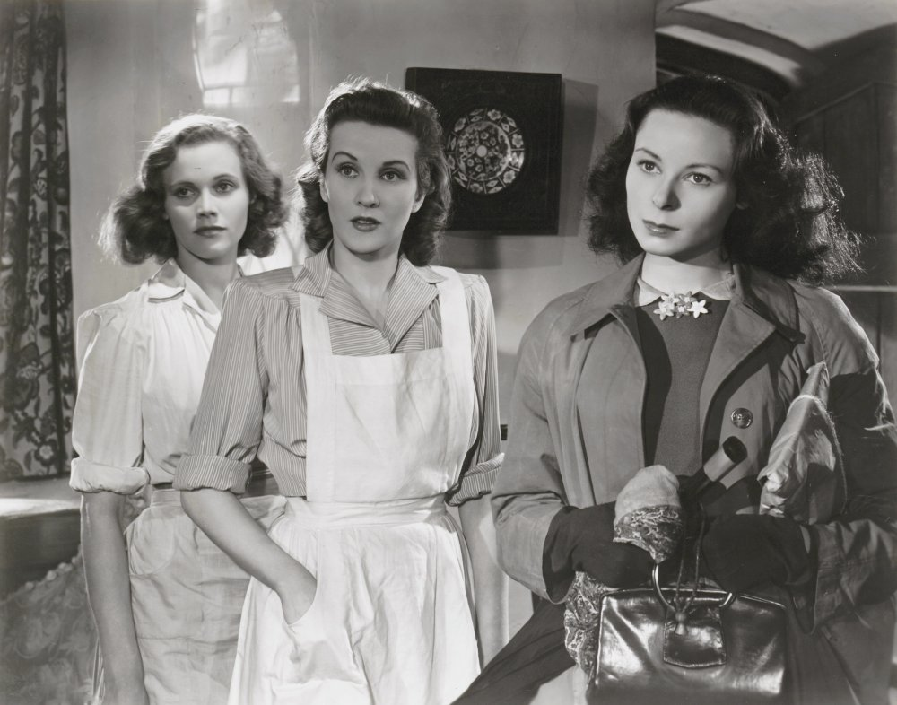 Blackman (left) with Anne Crawford and Siobhan McKenna in Daughter of Darkness