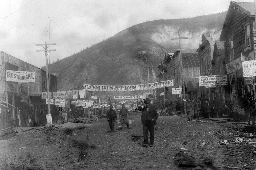 Dawson City, Frozen Time (2016)