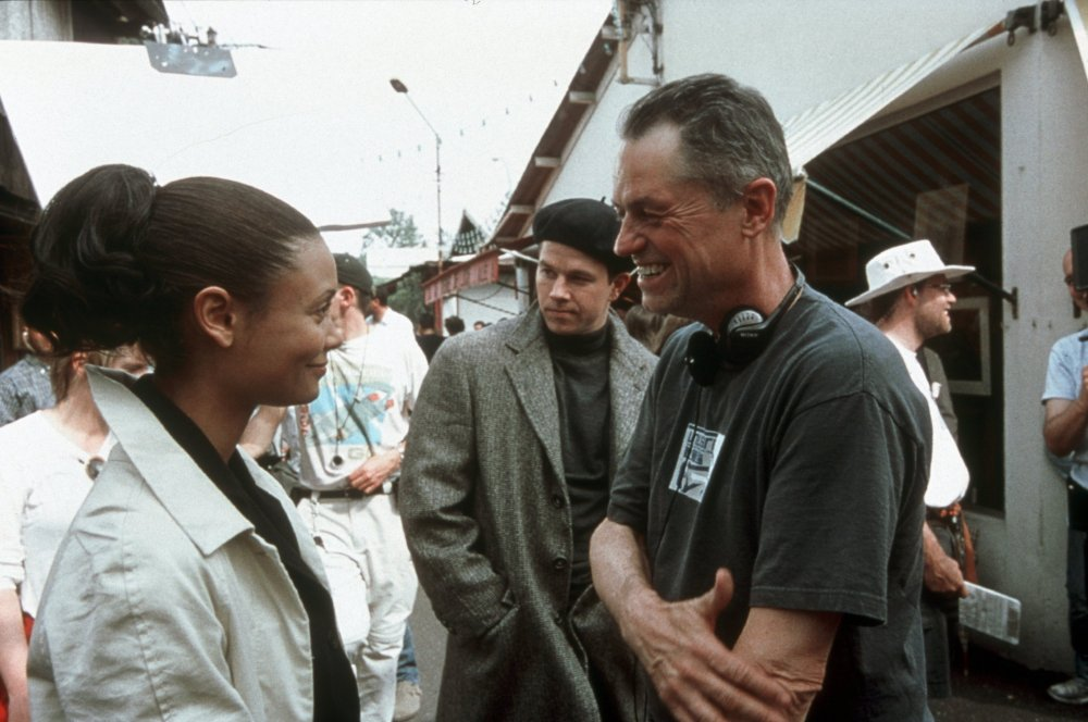 Thandie Newton with Demme on the set of The Trouble with Charlie (2002)