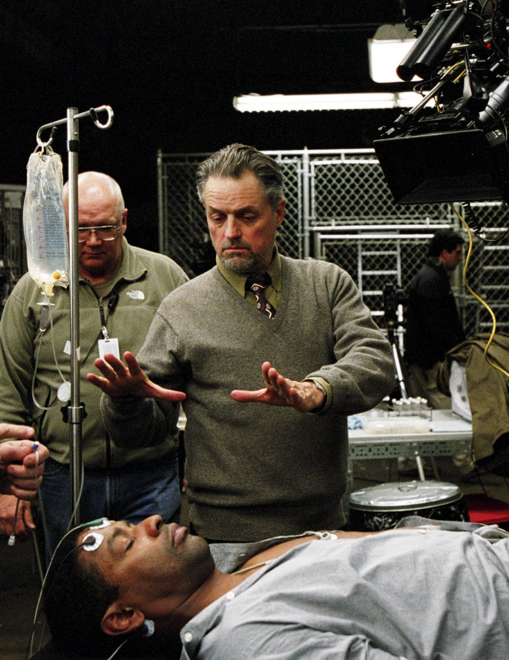 Jonathan Demme directing Denzel Washington on the set of The Manchurian Candidate (2004)