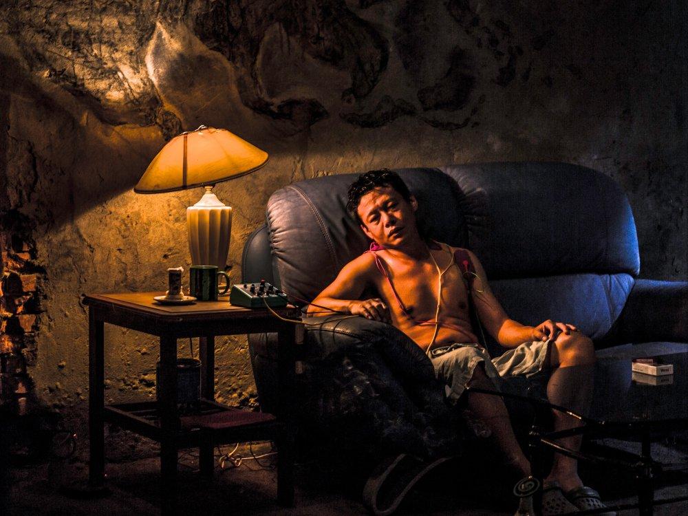 Lee Kang-sheng in The Deserted