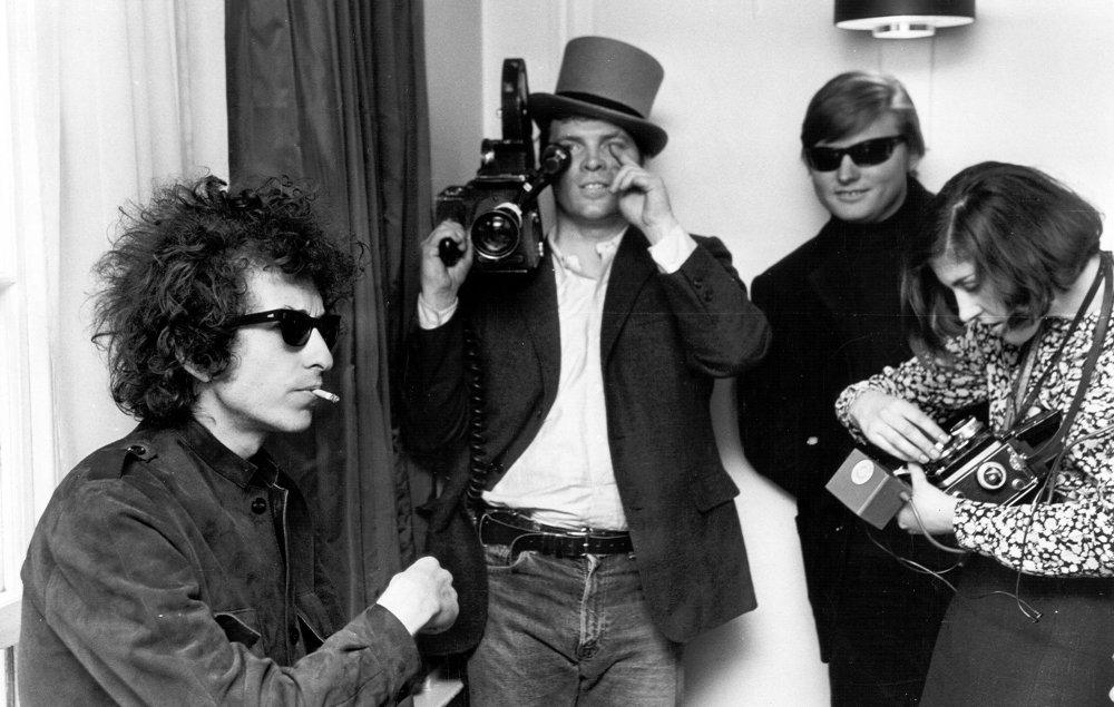 D.A. Pennebaker films Bob Dylan for Dont Look Back (1967)