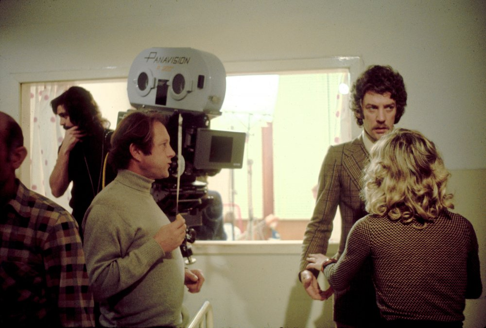 Nicolas Roeg directing Donald Sutherland and Julie Christie on the set of Don't Look Now (1973)
